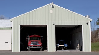 Построим гараж для грузовой машины под ключ