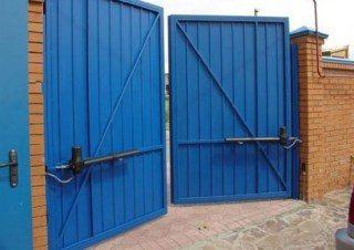 Фото процесса производства Промышленные распашные ворота в Новосибирске
