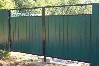 Фото процесса производства Распашные ворота для дачи в Новосибирске