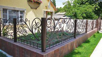Кованые заборы с установкой в Новосибирске